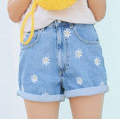 Spring Summer New Daisy Embroidery Bermuda Shorts Women Fashion High Waist Shorts Denim Short Jeans on Luulla Embroidery On Clothes, Embroidery Fashion, Jean Embroidery, Embroidery Patterns, Jeans Outfit Summer, Summer Outfits, Cute Outfits, Short Jeans, Short Women Fashion