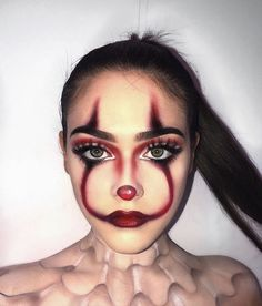 Are you looking for ideas for your Halloween make-up? Browse around this site for cute Halloween makeup looks. Maquillage Halloween Clown, Halloween Makeup Clown, Halloween Ideas, Halloween Season, Spooky Halloween, Scary Halloween Costumes, Halloween 2019, Halloween Nails, Women Halloween