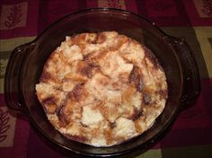 Bread Pudding in the Microwave. Single Serving: 1 cup bread cubes 2 tbsp brown… Bread Pudding in the Microwave. Pudding Flavors, Pudding Recipes, Sauce Recipes, Dessert Recipes, Quick Dessert, Bread Recipes, Yummy Recipes, Breakfast Recipes, Puddings