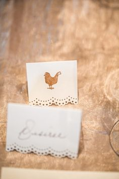 love the chicken place card