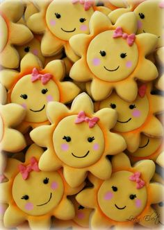 Are My Sunshine Cookies. (The Baking Sheet) Lots of Smiles .(love the bows on the smiley faces)Lots of Smiles .(love the bows on the smiley faces) Summer Cookies, Fancy Cookies, Iced Cookies, Cute Cookies, Cookies Et Biscuits, Cupcake Cookies, Kawaii Cookies, Sweet Cookies, Cookies Decorados