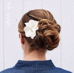 Bridal updo. Low romantic bun. For more hair inspirations visiting Instagram @wb_upstyles