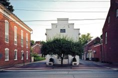 La Bibliothèque publique à Shepherdstown (Virginie-Occidentale) en 2011. (Robert Daweson/Courtesy of Princeton Architectural Press)