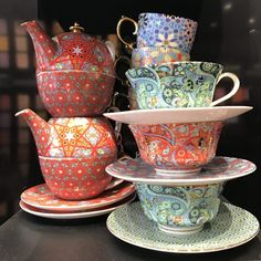 For some people tea will never be more than just a cup of good old English Breakfast, but for others tea is a world of never-ending discoveries. I am one of the latter, I just adore tea. Tea Set, Tea Cups, Joy, London, Tableware, Dinnerware, Dishes, Being Happy, Place Settings