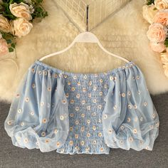 Girls Fashion Clothes, Teen Fashion Outfits, Trendy Fashion, Girl Fashion, Crop Top Outfits, Cute Casual Outfits, Pretty Outfits, Mode Pastel, Fancy Tops