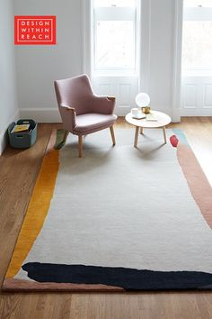 Discover the Edges Rug by Claudia Valsells for Nani Marquina, named for how its design brings attention to its borders. Lounge Chair Design, Sofa Design, Interior Design, Appartement Design, Design Within Reach, Woodworking Furniture, Fine Woodworking, 2020 Design, Coffee Table Design