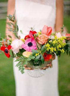 Colorful centerpiece | Photography: Cinzia Bruschini - cinziabruschini.it  Read More: http://www.stylemepretty.com/little-black-book-blog/2014/05/27/bohemian-wedding-inspiration-in-tuscany/