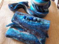 A WET FELTING TUTORIAL -- dont know what that is but i might check it out
