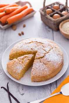 Semplice, golosa e perfetta per ogni occasione: ecco la nostra #torta di #carote! #Giallozafferano #recipe #ricetta #cake #sweet #carrots