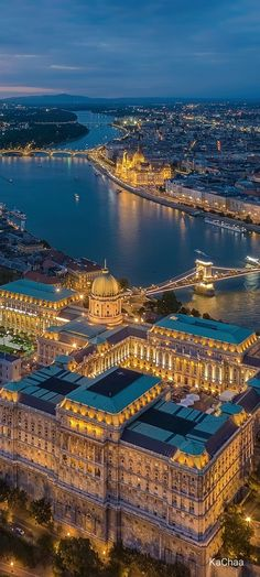 Cityscape Photography, City Photography, Xiaomi Wallpapers, Architecture Wallpaper, City Aesthetic, City Landscape, Travel Tours, Budapest Hungary, Travel Images