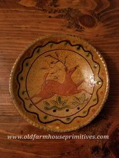 Mary Spellmire-Shooner Sgraffito Redware Plate meaures Love the warm tones of this pottery! Made In USA! Glazes For Pottery, Pottery Art, Glazed Pottery, Primitive Kitchen, Primitive Crafts, Primitive Autumn, Primitive Country, Anti Pasta Salads, Primitive Christmas Decorating