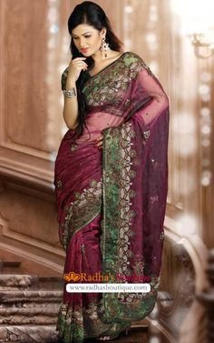 Love the color contrast on this saree.