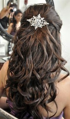 Half up-do with accessory This is really pretty too @Jackie Godbold Godbold Godbold Godbold Taormina