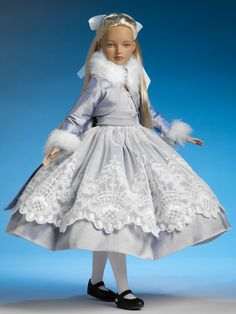 Winter Wonderland Alice from Alice in Wonderland Collection - Tonner Doll Company