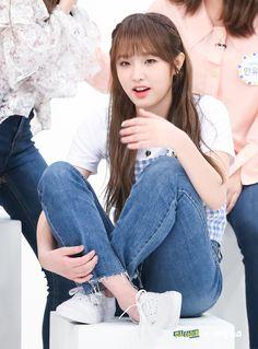 Yuri, Sketch Poses, Weekly Idol, Asian Babies, Japanese Girl Group, Kim Min, Female Singers, Celebs, Celebrities