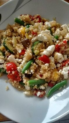 Quinoa-Gemüsepfanne mit Feta