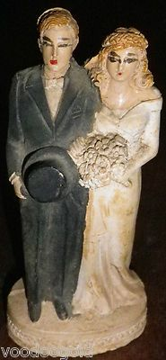 do not eat that cake. Antique Wedding Dresses, Vintage Weddings, Wedding Gowns, Wedding Cake Toppers, Wedding Cakes, Bohemian Chic Weddings, Vintage Cake Toppers, Wedding Sweets, Primitives