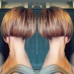 Idées Coupe cheveux Pour Femme  2017 / 2018   40 Coiffures courtes de Bob: couches superposées empilées ondulées et inclinées