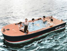 O mundialmente famoso Barco banheira.