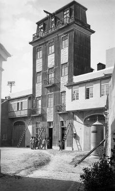Quartel de bombeiros, Largo da Graça, 1930? (Firehouse) Lisbon Portugal, Portuguese, Vintage Photos, Past, Photographs, Black And White, Deco, Architecture, Places