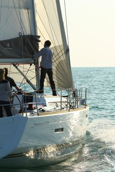 Jeanneau Sun Odyssey 379   - Type:Sailing Boat   - Lenght:11.3 m   - Daytime capacity:10