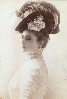 beautiful 1900s millinery, hat. Flowers, ostrich feathers.