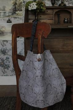 The original 'Meandering' bag design from The Linen Garden Collections. Name: NILET Style: Meander (l Winter Collection, Fall Winter, Autumn, Tote Bag, Armoire, Bags, Garden, Design, Style