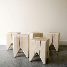 Oh, how good a couple of these wood stools would look in my living room