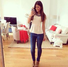 Blusa com textura Calça skinny jeans Botinha de cano curto