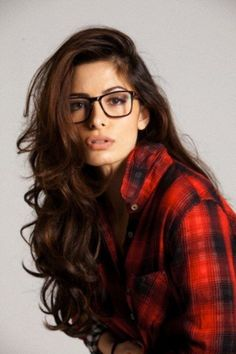 "Apparently all it takes to be classified ""geek chic"" are a pair of thick rimmed glasses. Lame."