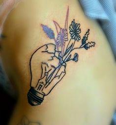 #тату #татуировка #домашняятатуировка #графика #дотворк #лампочка #цветы #tattoo #hometattoo #graphic #dotworktattoo #dotwork #flowers #lamp
