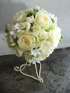 バラのラウンドブーケ http://relier-fleurs.com/