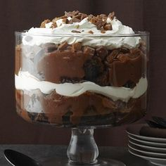 Death By Chocolate III Do not hesitate to make this Not only was this a wonderful dessert it was very easy to make Brownie Trifle, Chocolate Trifle Desserts, Dessert Oreo, Köstliche Desserts, Chocolate Recipes, Delicious Desserts, Dessert Recipes, Allrecipes Desserts, Recipes