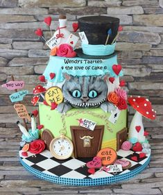 Alice in Wonderland - Cake by Wendy Schlagwein