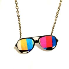 Sunglasses Necklace, Retro Style Television, Old TV, Funky Necklace,... ($25) ❤ liked on Polyvore featuring jewelry, necklaces, chain pendant necklace, acrylic pendants, acrylic necklace, antique pendants and antique jewelry