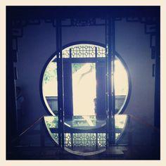 Circle-door
