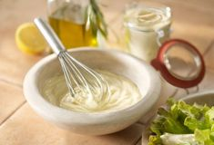 Mayonnaise and aioli have almost become synonymous in the American culinary scene. How To Make Mayonnaise, Sandwich Ingredients, Aioli Recipe, Homemade Aioli, Homemade Mayonnaise, Cooking Tips, Cooking Recipes, Vegetarian Recipes, Healthy Recipes