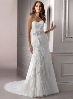 Gown pic of the week - April 2 - April 8 2012    Claudia is the name of this gown