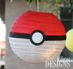PokeBall 10 linternas de papel  Set de por ArtisticAnyaDesigns