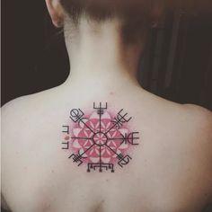 Resultado de imagem para vegvisir tattoo girl