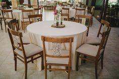 Decoração das mesas de casamento diurno.  Fotografia: Diogo Perez Decoração: Casório DF Mobiliário: Dirce Decorações  #wedding #casamento #weddingdecoration #creativewedding