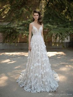 2017 Boho Beach Wedding Dresses A Line V Neck Cap Sleeve Sweep Train Bridal Gowns Lace 3D-Floral Appliques Backless Plus Size Wedding Gowns