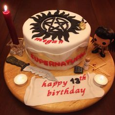 #supernatural cake  Made by @CarolynsCakes (twitter)