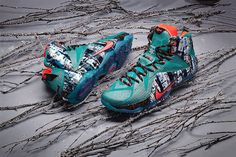 Nike Basketball 2014 Christmas Collection: LeBron James, Kevin Durant, and Kobe Bryant will once again don festive kicks this holiday season, Nike Heels, Nike Boots, New Nike Shoes, Sneakers Nike, Basketball Kobe, Basketball Sneakers, Nike Shox, Nike Flyknit, Nike Kyrie