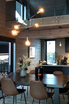 Interior Design, Cabin Interiors, Home, Interior, Exterior Decor, Modern House Exterior, Yellow Furniture, Home Decor, Home Furnishings