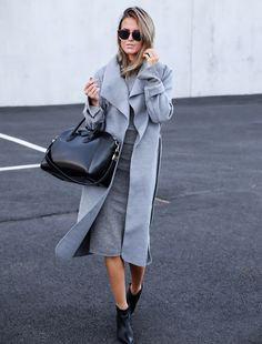 black-bag-with-all-gray-outfit