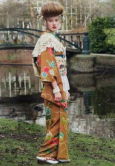 Mamechiyo is a Tokyo-based contemporary designer.