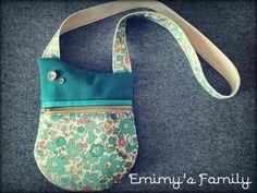 Pochette Be-Bop bleu et fleurs cousue par Enimy's Family - Patron Sacôtin
