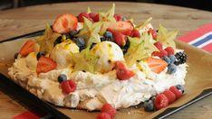 Oppskriftene til mai Pavlova, Bratwurst, Sashimi, Fruit Salad, Feta, Deserts, Lush, Fruit Salads, Dessert