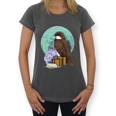Camiseta Little World Traveler de @krisefe | Colab55